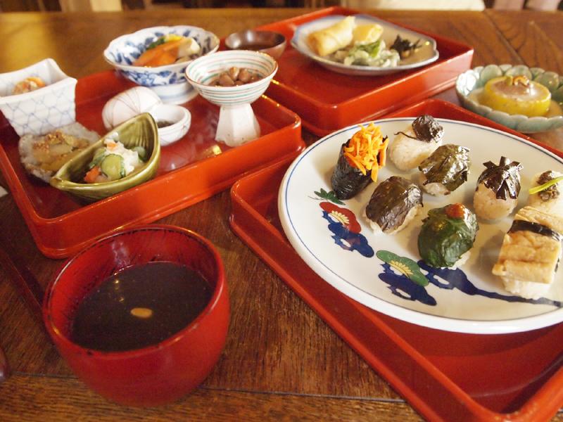 menu_dinr-02sushi02